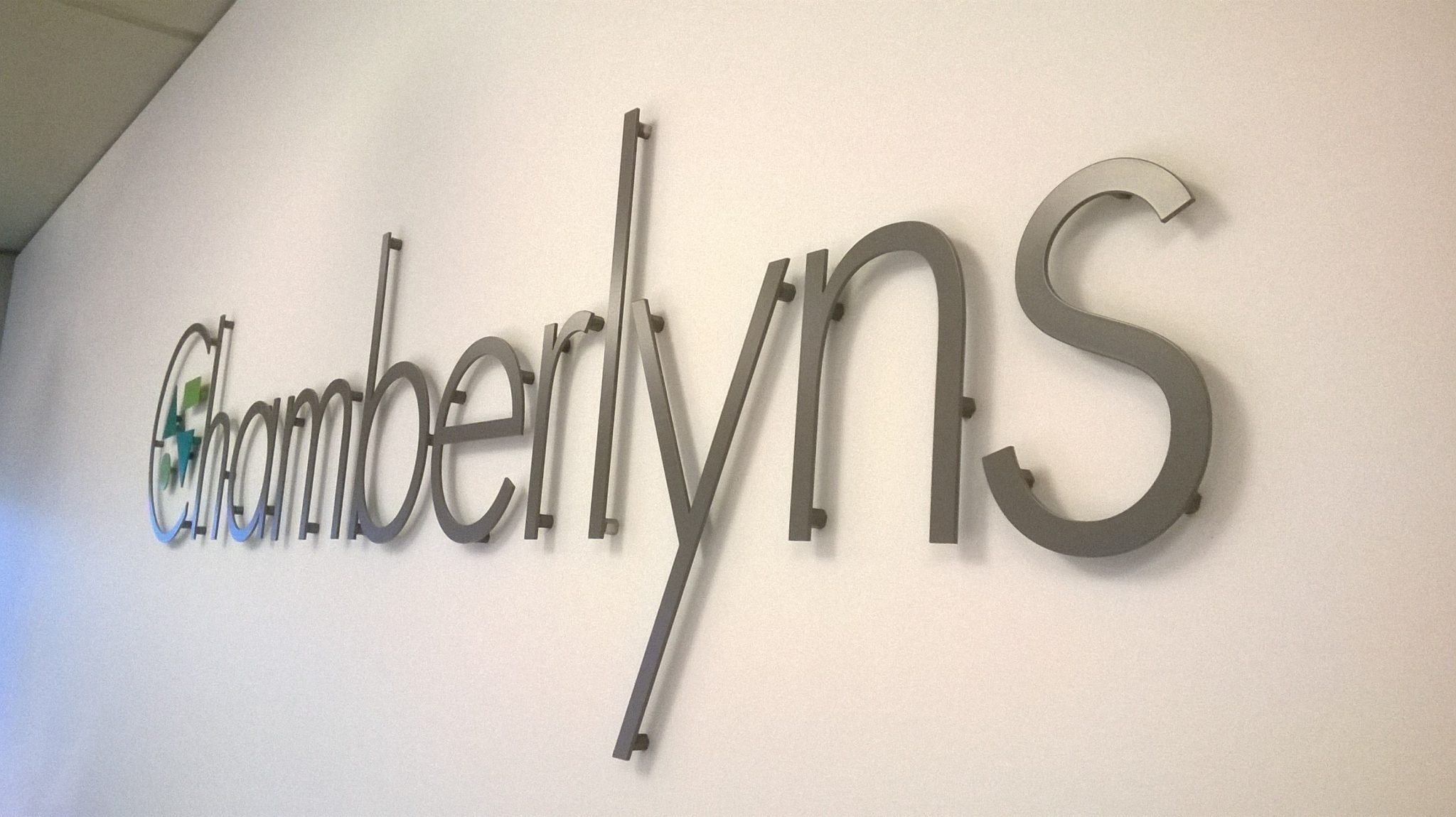 Chamberlyns sign Wealth Managers repeatedly invest in E Signs ®