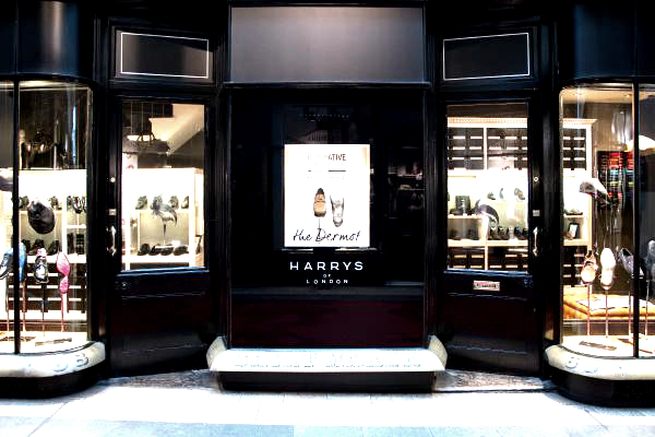 Illuminated Fascia Harrys of London by E Signs ® installed by www.e-signs.co.uk