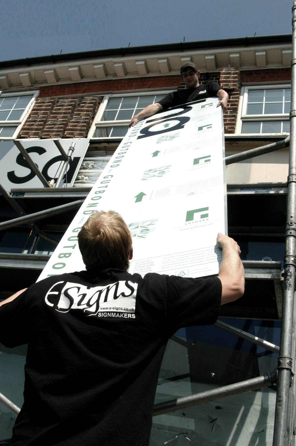 Illuminated Fascia E Signs ® www.e-signs.co.uk sign installers in London